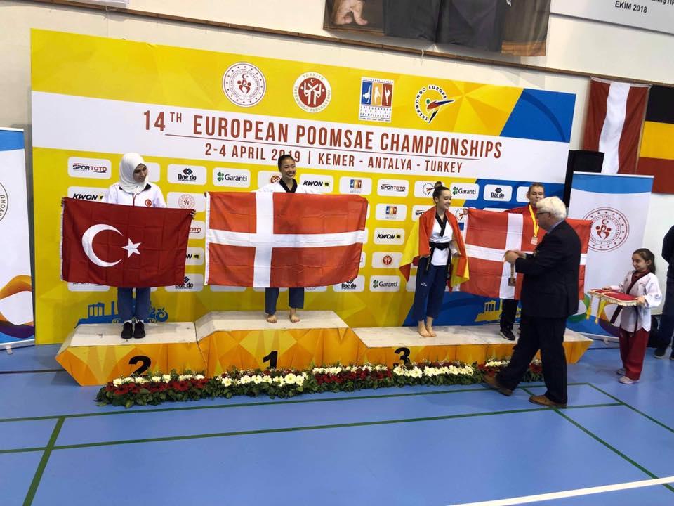 Kæmpe tillykke til Eva Sandersen, 2.c - Dobbelt europamester i teakwondo 2019