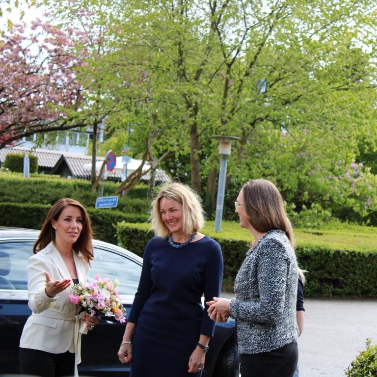 Vær klog - lær sprog. Besøg af H.K.H. prinsesse Marie og undervisningsminister Merete Riisager på Virum Gymnasium d. 6. maj. Se mere om besøget her.