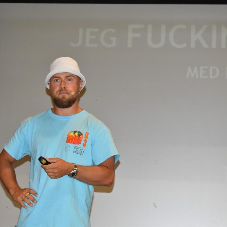 Peter Falktoft: 'Jeg fucking hader rygning'. Oplæg for alle skolens elever i forbindelse med VGs overgang til tobaksfri skole.