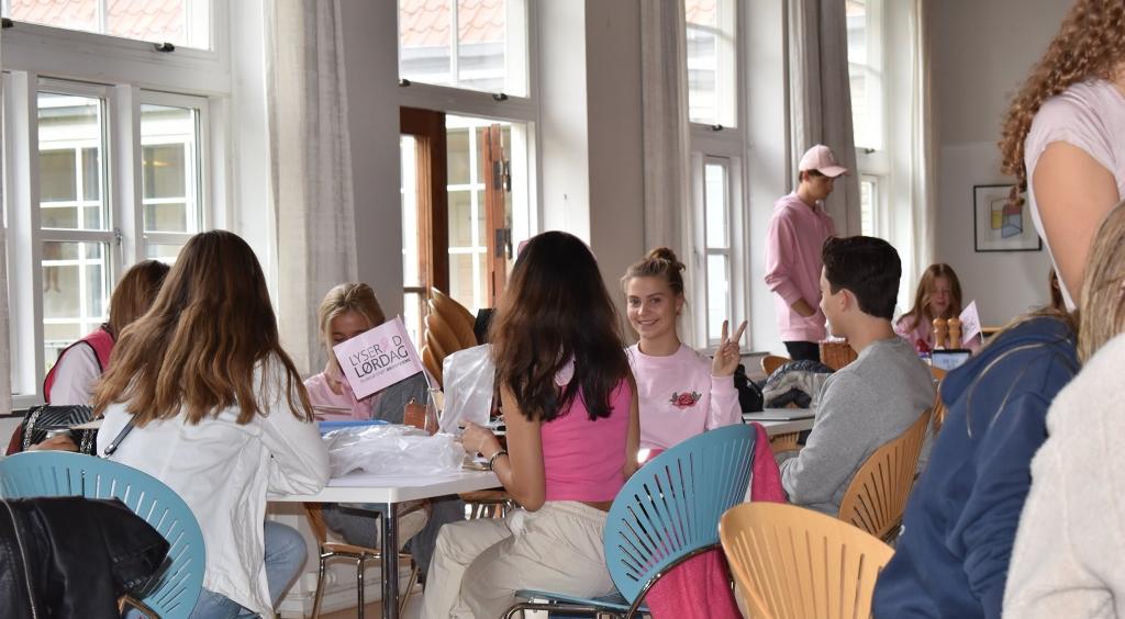 Fantastisk flot resultat i indsamlingen til Lyserød Lørdag d. 3. oktober 2020 på VG. Engagerede elever og lærere indsamlede mere end 40.000 kr. til Kampen mod brystkræft.
