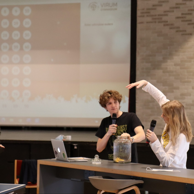 Virtuel banko for alle eleverne på Virum gymnasium - masser af god stemning ude i klasserne og hjemme hos eleverne.