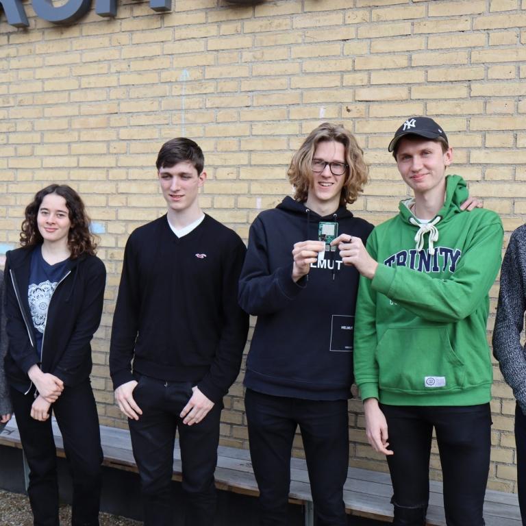 Kæmpe tillykke til seks VG-elever som er udtaget til 'Mission Space Lab Challenge', som er en del af ESA'sAstro Piprogram..